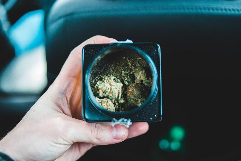 Aus Amsterdam importiertes Cannabis